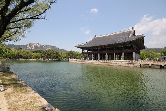Gyeongbuk palace forbidden city the joseon dynasty.