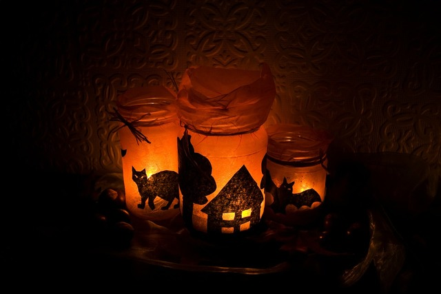 Halloween light candles, animals.