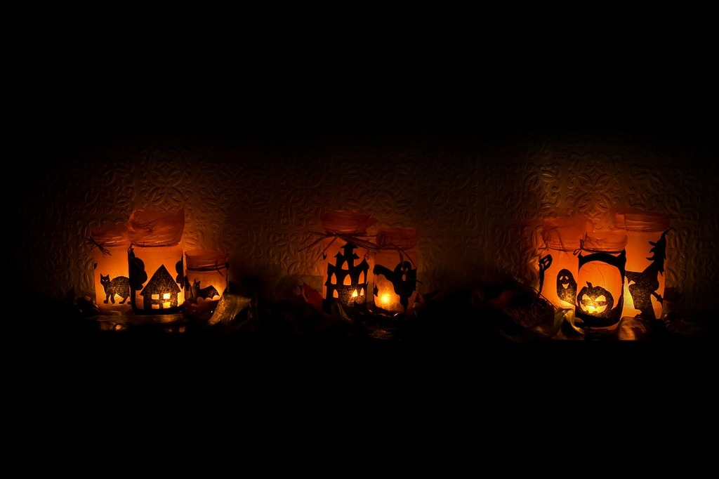 Halloween light candles.