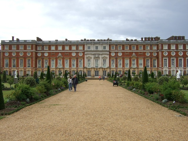 Hampton court palace palace hampton, architecture buildings.