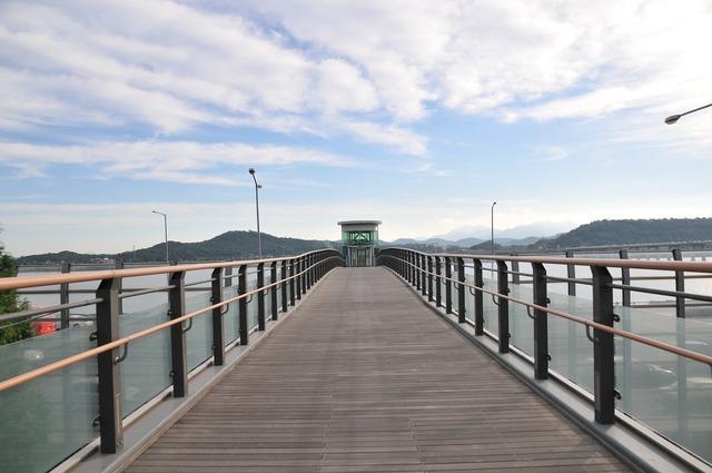 Han river bridge fair.