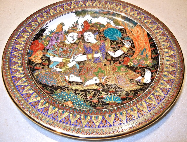Hand painted thailand plate.