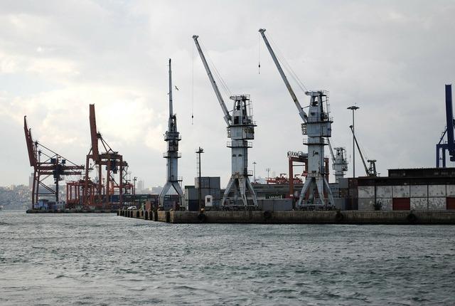 Harbor crane istanbul.