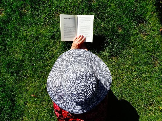 Hat read summer.