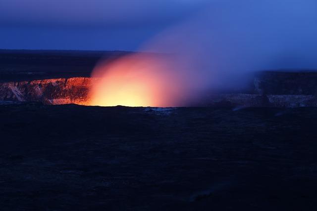 Hawaii volcano hot.
