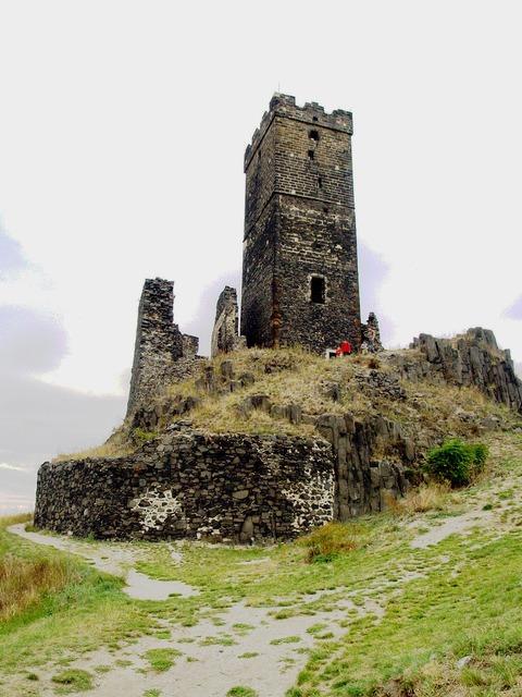 Hazenburk castle the fortifications, architecture buildings.