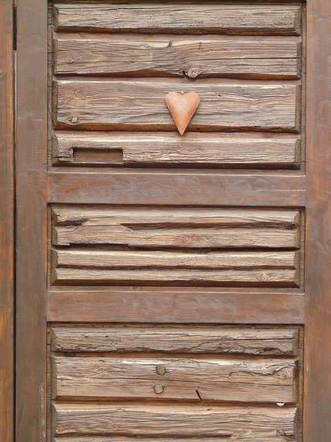 Heart door wooden door, emotions.