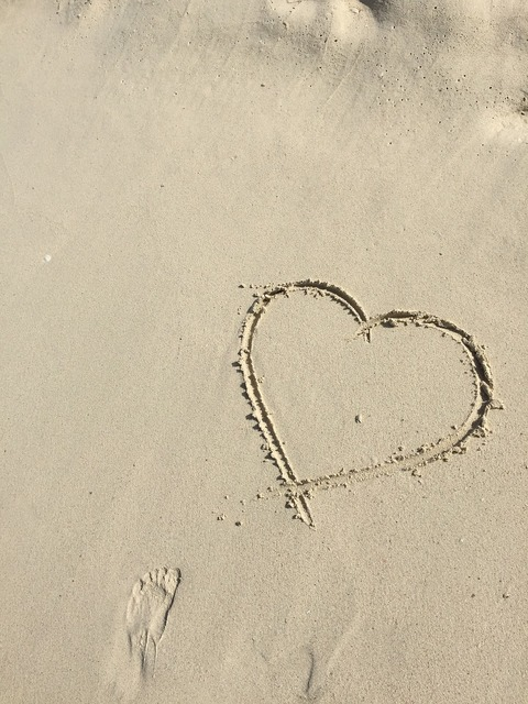 Heart love sand, emotions.