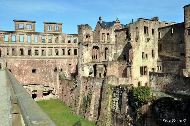 Heidelberg heidelberger schloss castle moat.