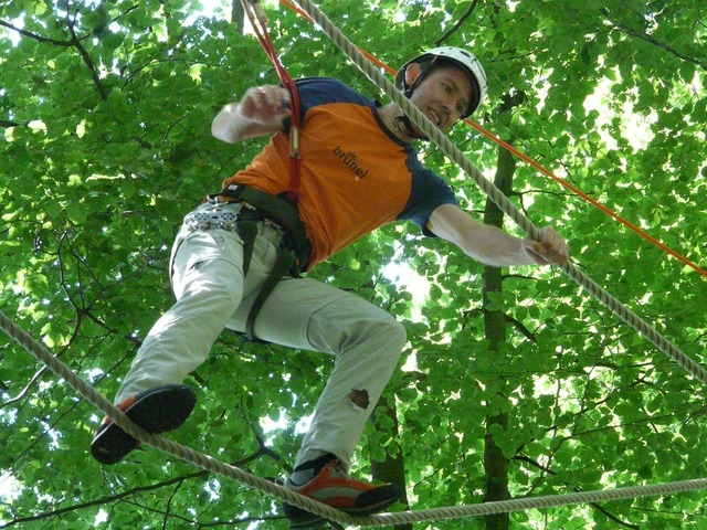 High ropes course balance voltage, nature landscapes.