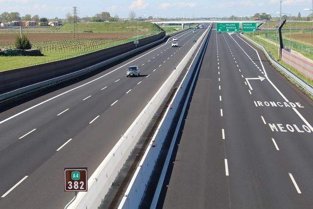 Highway connection transport, transportation traffic.