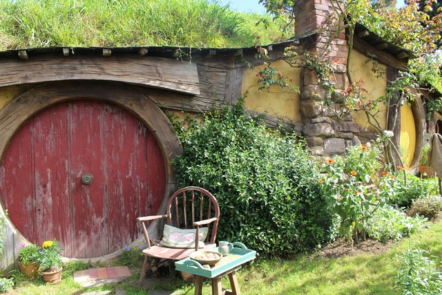 Hobbiton new zealand movie set, travel vacation.