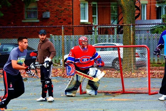 Hockey district montréal, transportation traffic.