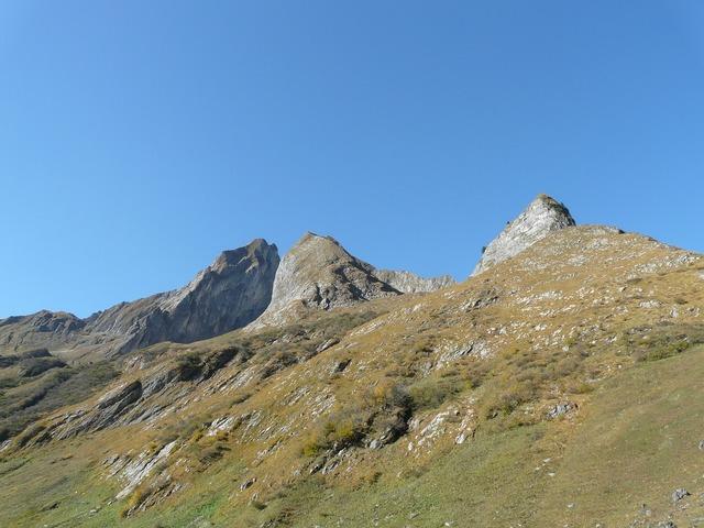 Höfats mountains summit, nature landscapes.