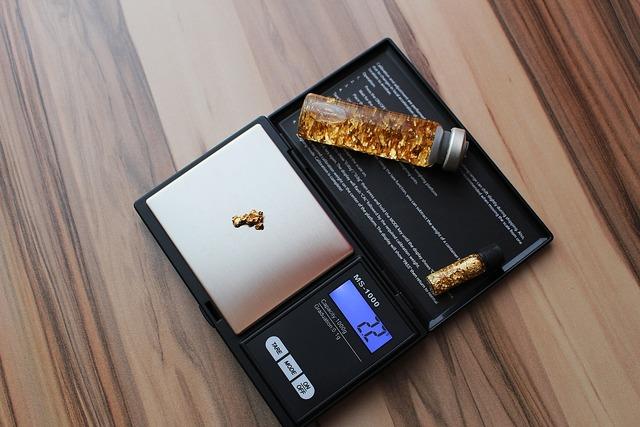 Horizontal pocket gold gold nugget.
