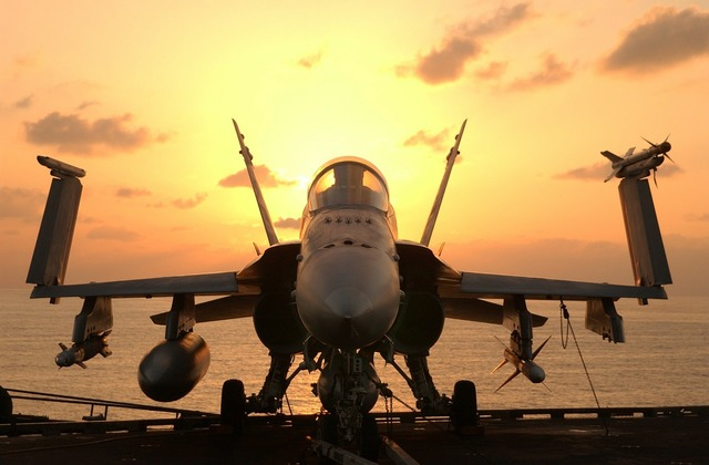 Hornet f a 18 aircraft carrier.