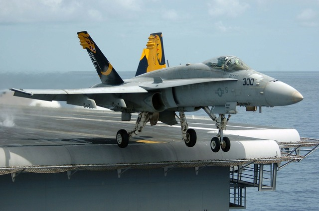 Hornet f a 18 c aircraft carrier.