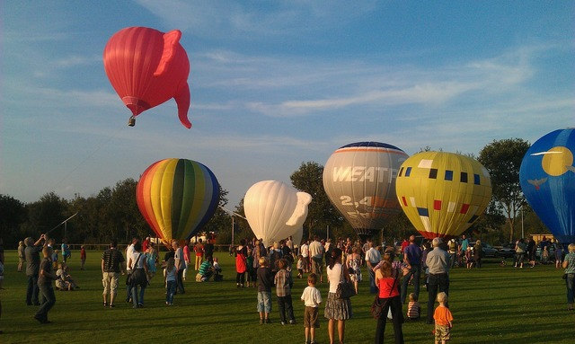 Hot air balloon balloon colorful.