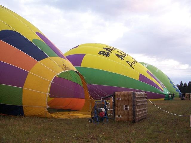 Hot air balloon flight inflate.