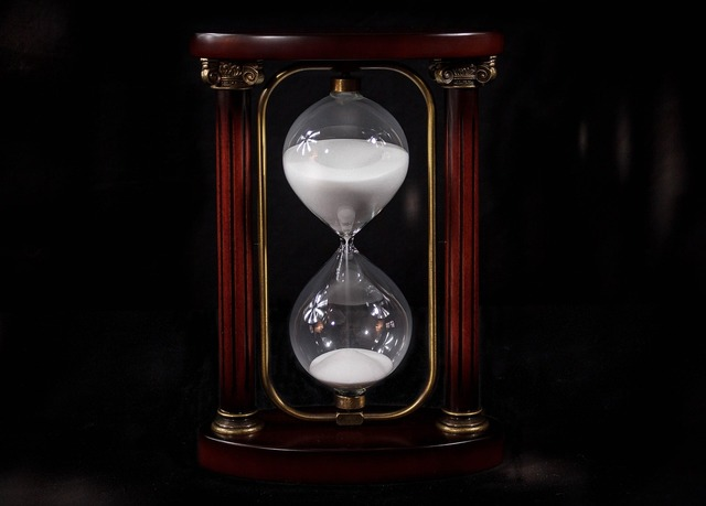 Hourglass sandglass timer.