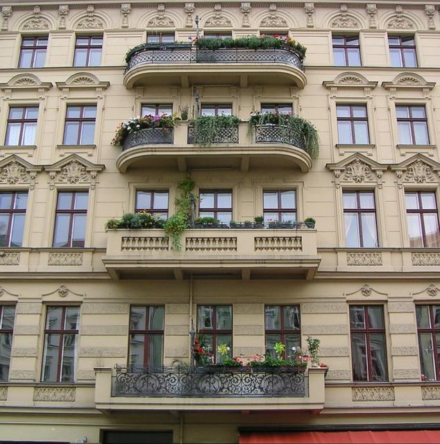 Housewife balcony rmazza kreuzberg.
