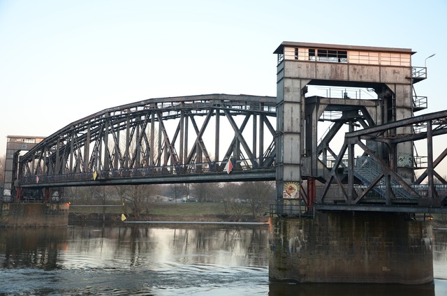 Hubbrücke magdeburg railway bridge, architecture buildings.