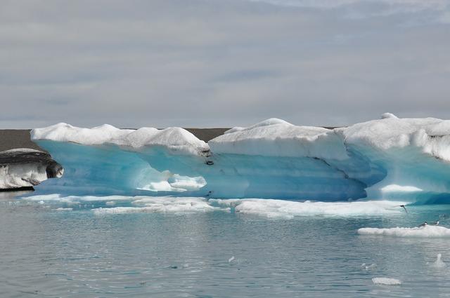 Ice floes ice eternal ice.