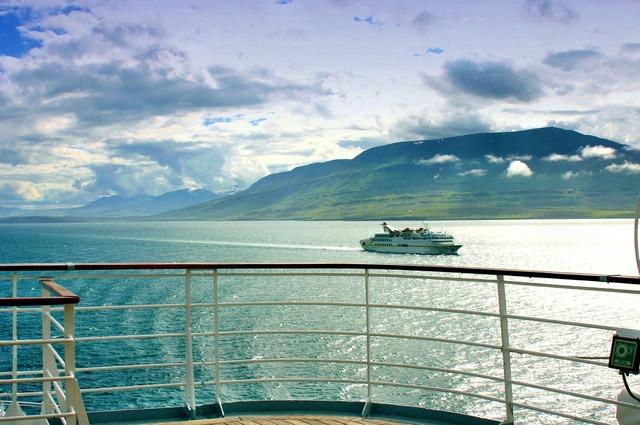 Iceland cruise ships.
