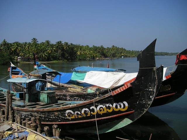 India boats ships.