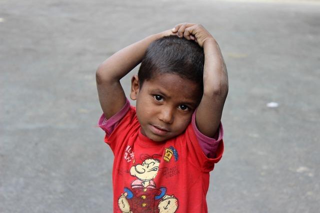 India child curiosity, people.
