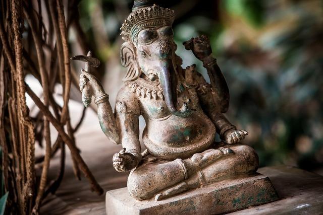 India elephant statue, religion.