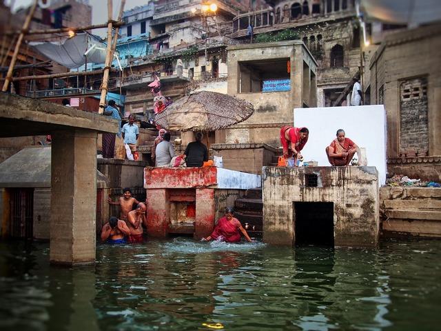 India ganges bathing.