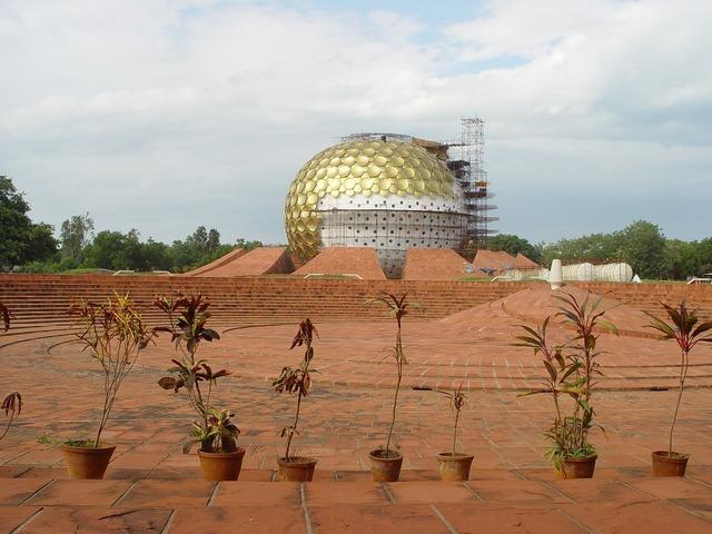 India pondichéry auroville.