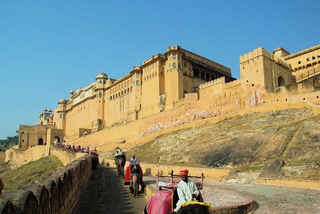 India rajastan fort, transportation traffic.
