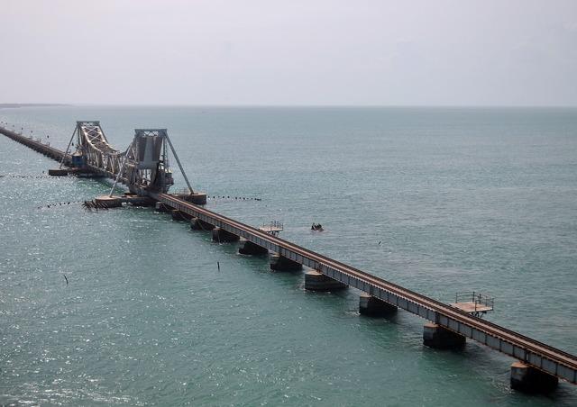 India rameshwaram railway bridge.