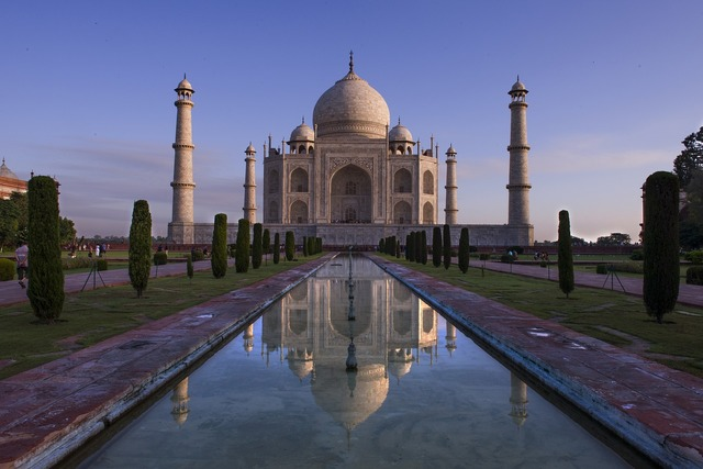 India the taj mahal monuments.