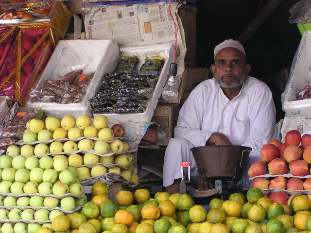 Indians seller fruit, food drink.