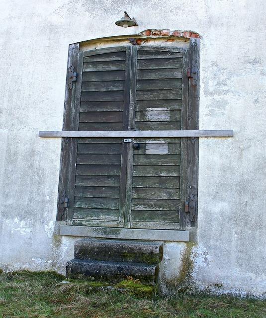 Input door house entrance.