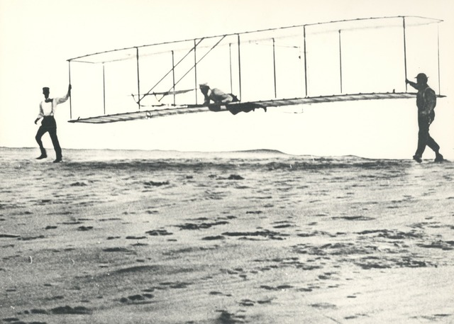 Invention wright brothers aircraft, science technology.