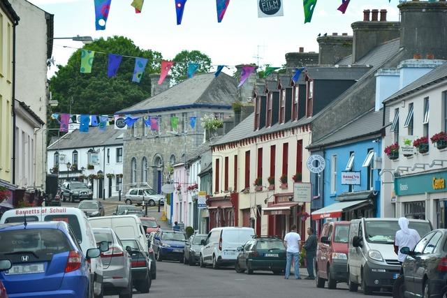 Ireland village irish, transportation traffic.