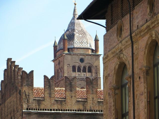 Italy bologna piazza majorises.