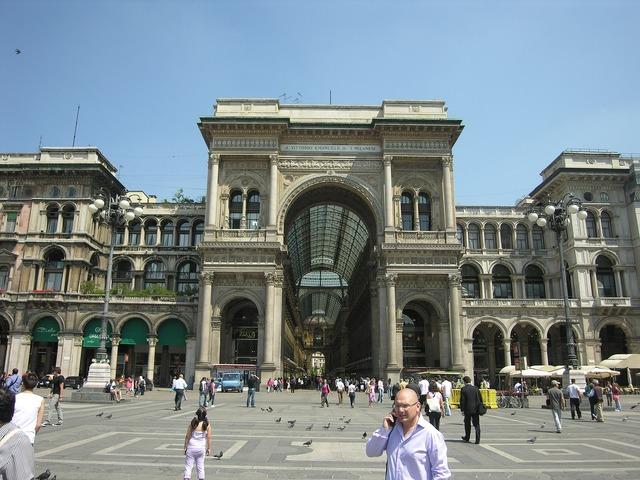 Italy milan photo gallery.