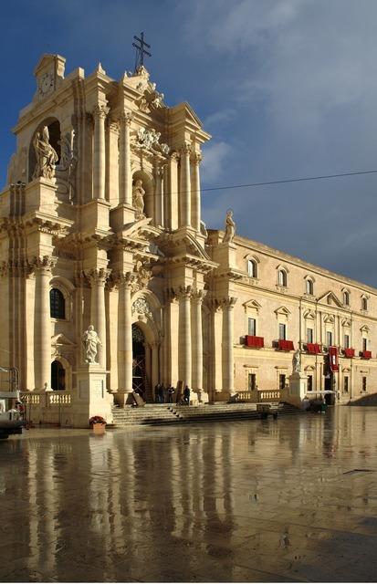 Italy sicily siracusa, religion.