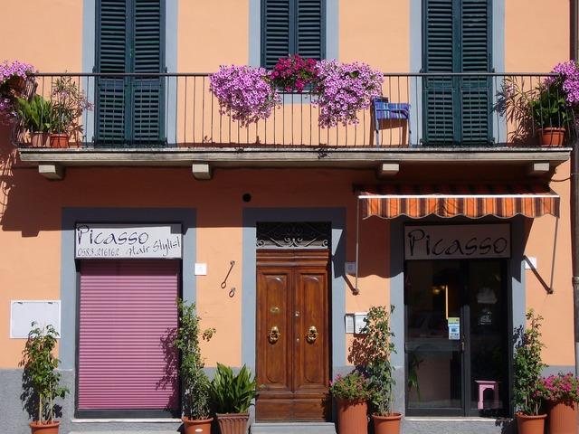 Italy tuscany door.