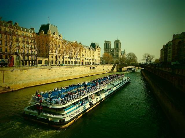 Its paris river.