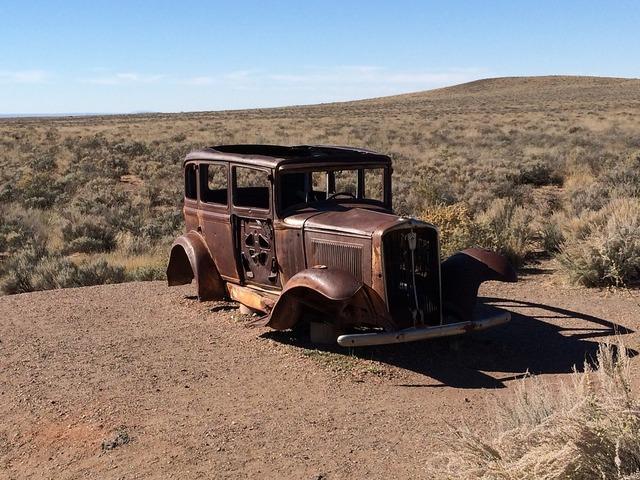 Jalopy rust abandoned.