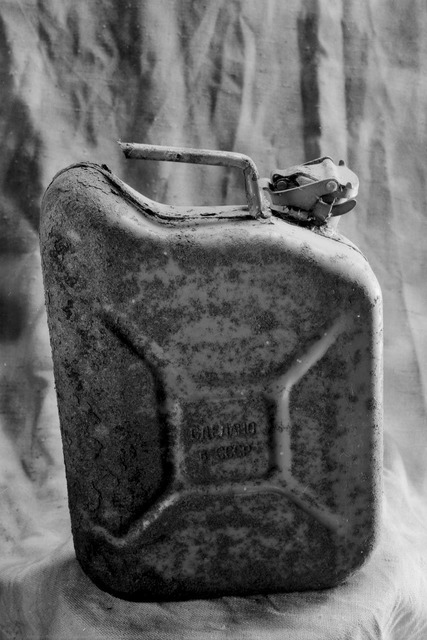 Jerry can rusty.