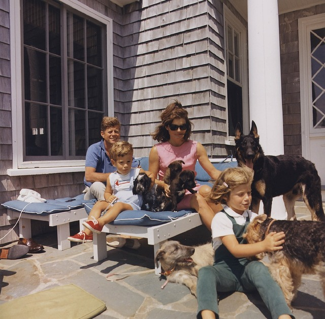 John kennedy family jacqueline caroline, animals.