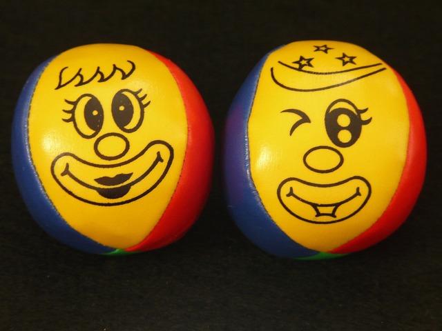 Juggling balls balls juggle.