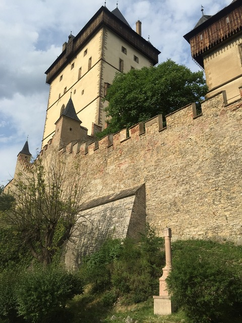 Karlstejn castle strength.